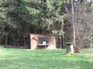 Waldklassenzimmer mit Feuerstelle
